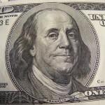 Ušetřete na poplatcích na běžných účtech stokoruny měsíčně