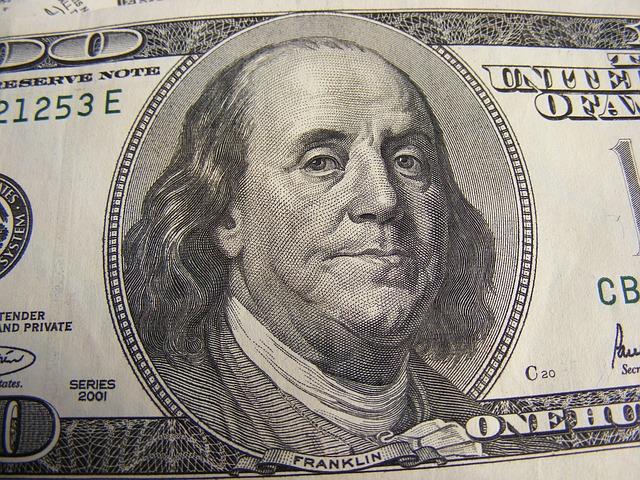 Ušetřete na poplatcích stokoruny měsíčně