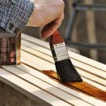 Proč je důležité natírat dřevo?